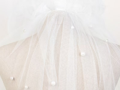 Brautmode-Scholz-Schleier-Jesus-Peiro-Pearl.jpg